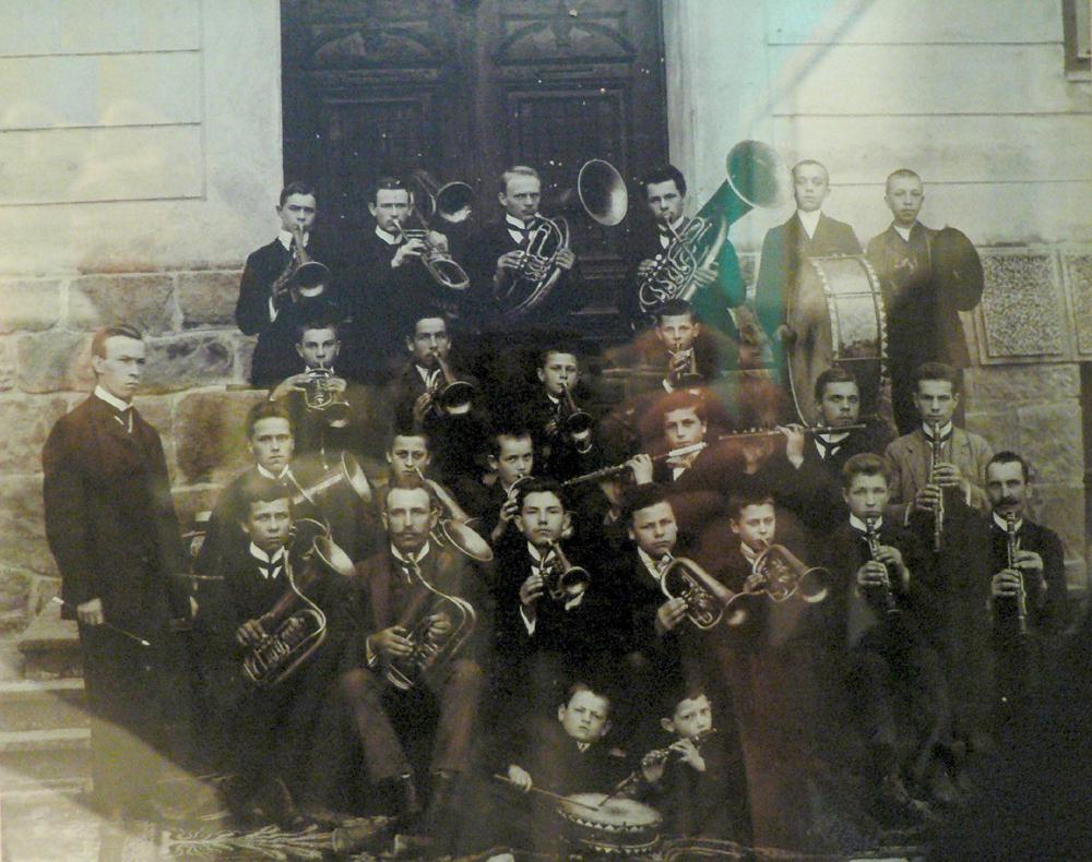 04. Orkistra1910 W. Karch