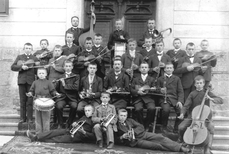 07. zakladowasymfoniczna 1943